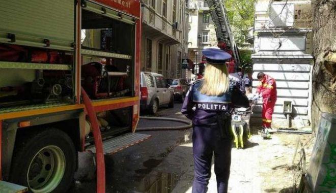 Casa arde, vecinii se ceartă. Incendiu cu scandal în Bucureşti - 646x404-1620038157.jpg