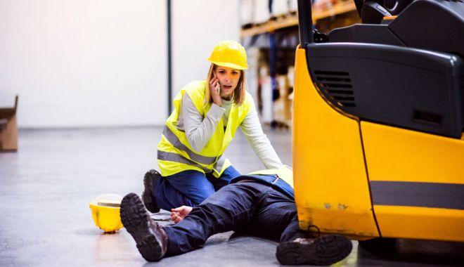 Bărbat găsit mort la locul de muncă. Cazul este cercetat de ITM - accidente-1621014150.jpg