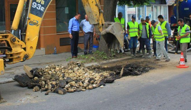 Se oprește apa în cartierul nou din localitatea Valu lui Traian! - avarie1622640132-1632811939.jpg