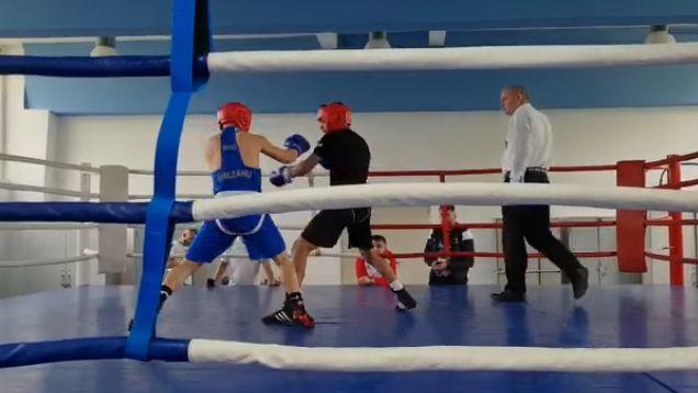 Box / Pugiliştii din lotul de juniori, meciuri la un turneu internaţional şi la Cupa României - boxmeciuri-1619774281.jpg