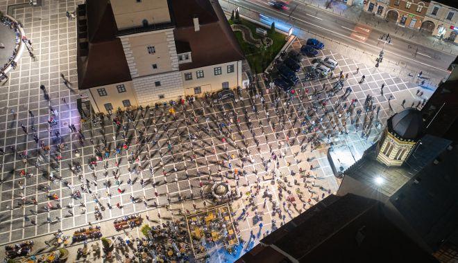 Imagini spectaculoase de la slujba de Înviere din centrul Braşovului - brasovimaginipaste-1619960678.jpg