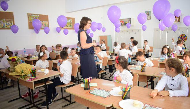 Bătaie pe locurile la clasa pregătitoare. Care sunt cele mai căutate şcoli din Constanţa - fondclasapregatitoare-1619620827.jpg