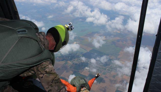Parașutiștii Forțelor pentru Operații Speciale, la cursuri, în poligonul Capu Midia - fondparasutistii1-1627316250.jpg