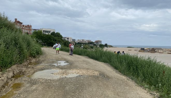 """Revoltă în Faleză Nord. """"Ne-au închis drumul de acces spre plajă, suntem sabotați!"""" - fondrevoltaplata4-1625509349.jpg"""