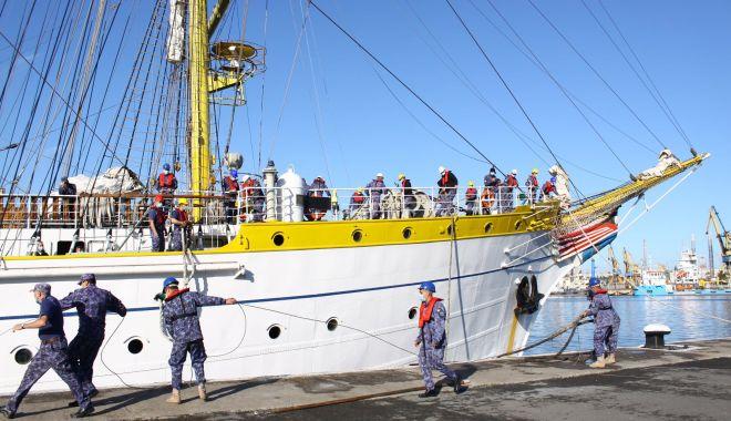 """GALERIE FOTO. Nava-şcoală """"Mircea"""" a revenit în port, după stagiul de practică cu studenţii Academiei Navale - galeriefotonava4-1620994322.jpg"""