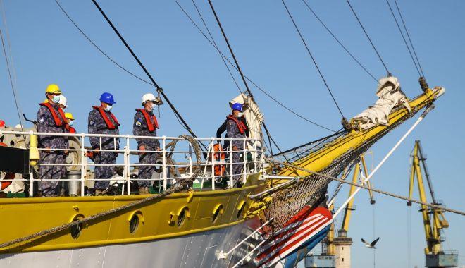 """GALERIE FOTO. Nava-şcoală """"Mircea"""" a revenit în port, după stagiul de practică cu studenţii Academiei Navale - galeriefotonava5-1620994166.jpg"""