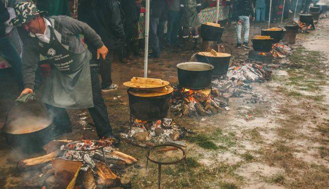 Festival pescăresc de amploare la Hârșova: concursuri, artă și voie bună! - harsovafestival2-1626286722.jpg