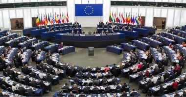 Comisia Europeană va fi dată în judecată, pentru că nu a sancţionat Ungaria şi Polonia