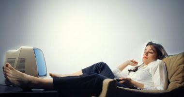 Avertismentul doctorilor - Te dor oasele și ești sedentar? Ai risc crescut de osteoporoză!