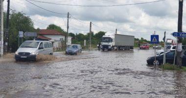 Inundațiile au făcut prăpăd în mai multe zone din țară