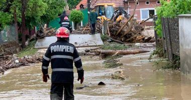 IGSU: 49 de localităţi din 18 judeţe, afectate de ploile din ultima zi. Doi oameni au fost luați de ape