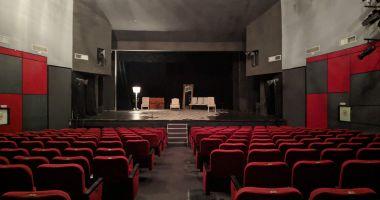 Noi restricţii pentru teatre şi cinematografe, în localităţile unde incidenţa a depăşit 3 la mie