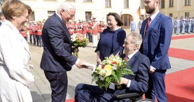 Preşedintele Cehiei este internat la terapie intensivă